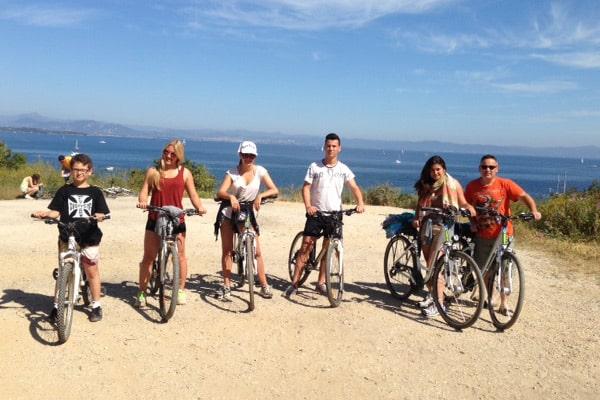 Host-familly-Porquerolles-france-bike