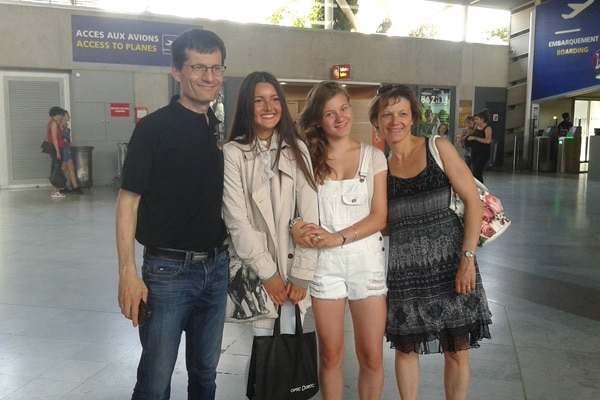 Host-family-france-airport-welcome