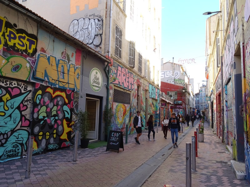 Marseille-students-street-art-discover