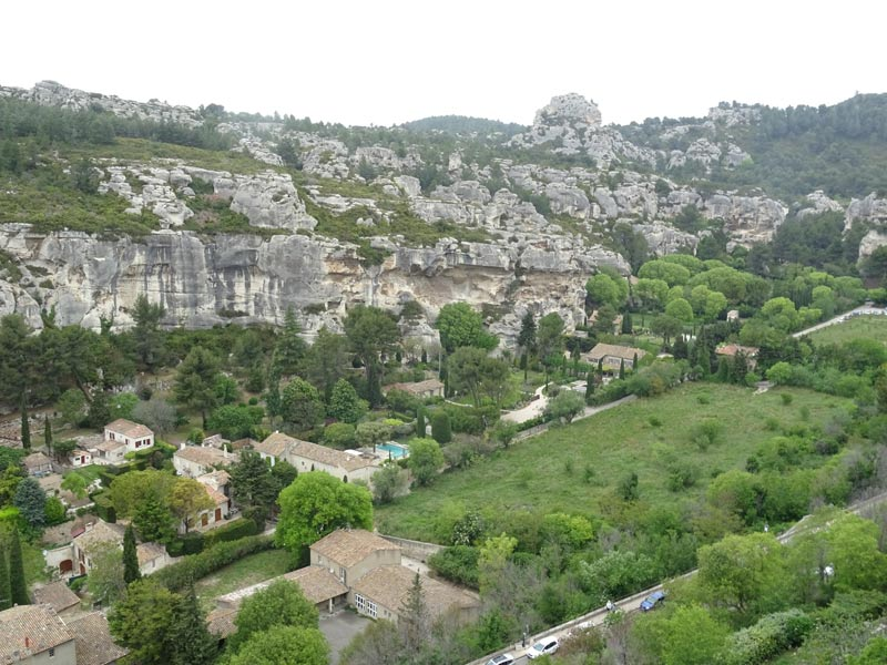 baux-de-provence-mountain